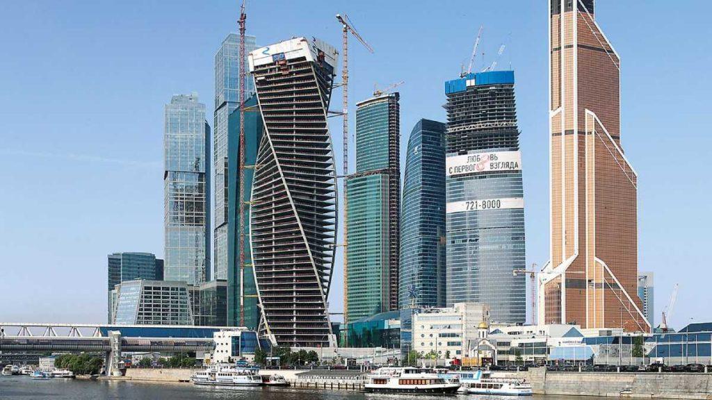 Evolution Tower: Una torre curva de hormigón monolítico - 5