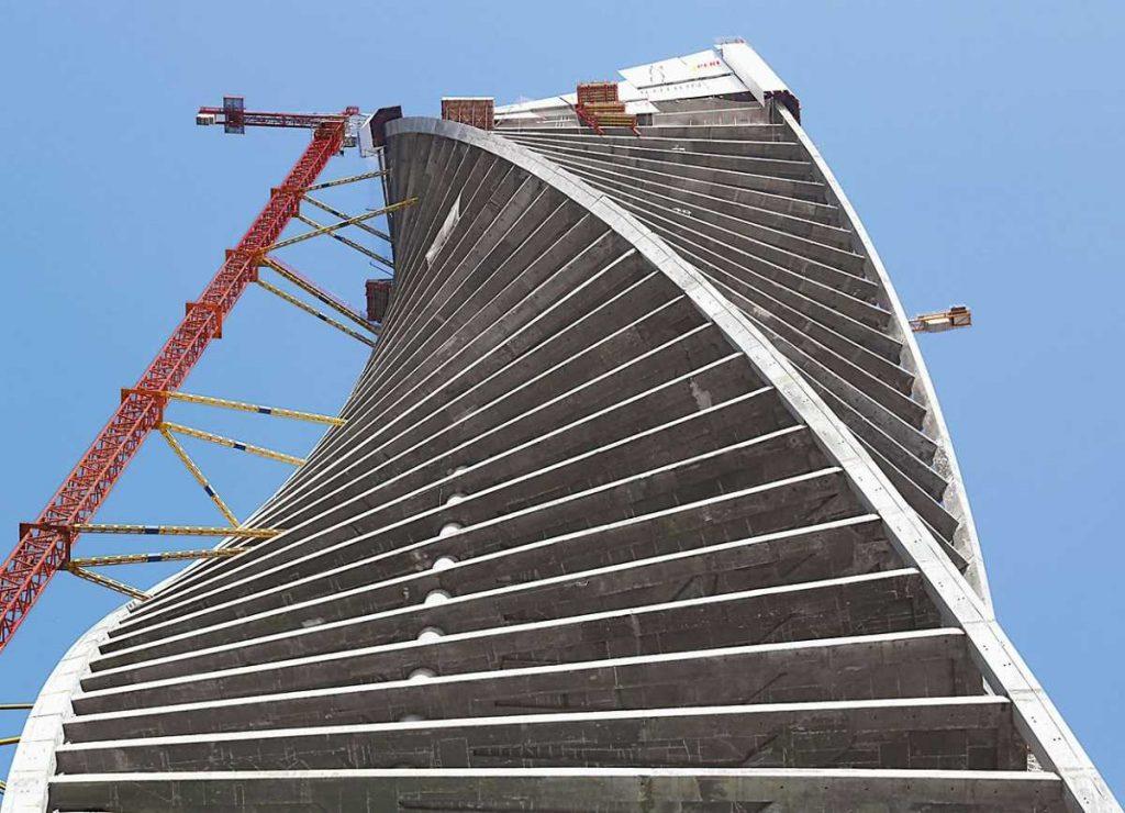 Evolution Tower: Una torre curva de hormigón monolítico - 4