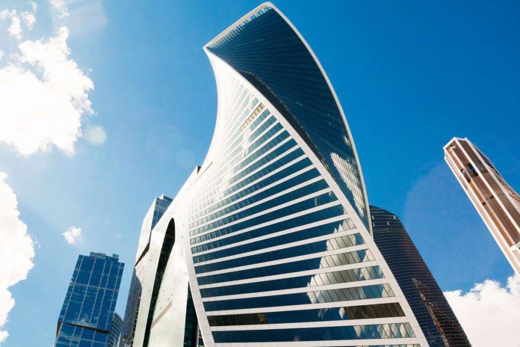 Evolution Tower: Una torre curva de hormigón monolítico - 2